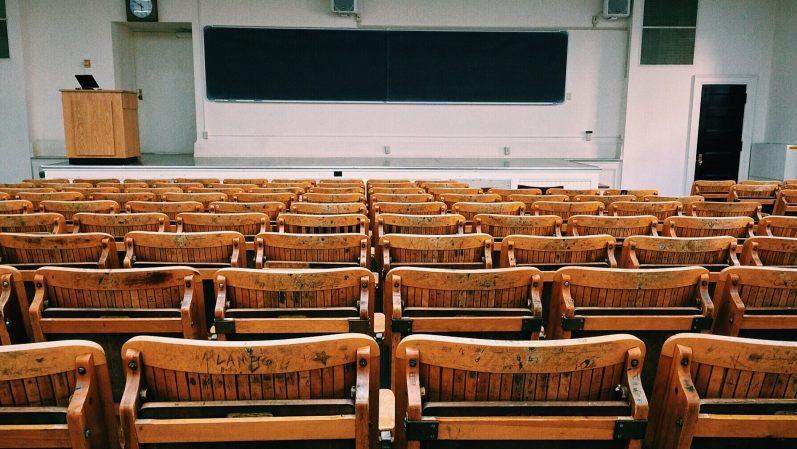 É hora de fazer valer a construção local do currículo escolar